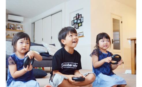 【健康】ゲームやスマホの長時間使用に気をつけましょう